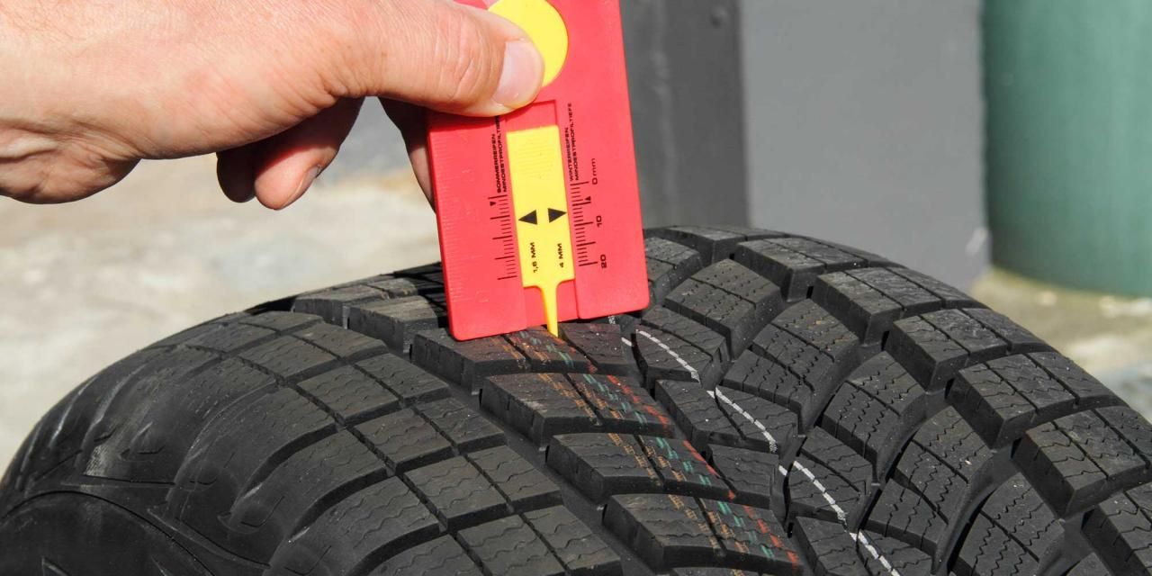 Check of profile depth of winter tires