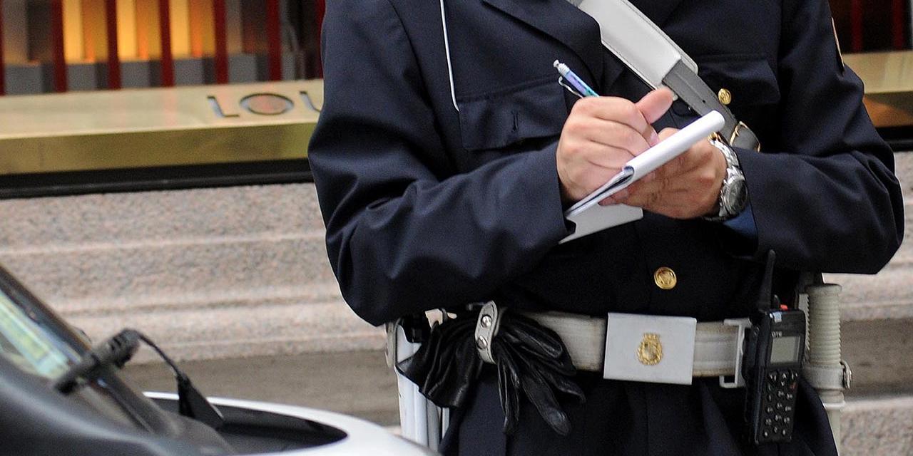 Carabinieri erteilt Strafzettel