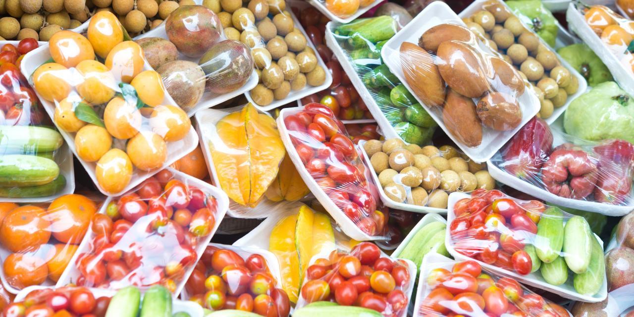 Obst und Gemüse - alles in Plastik verpackt