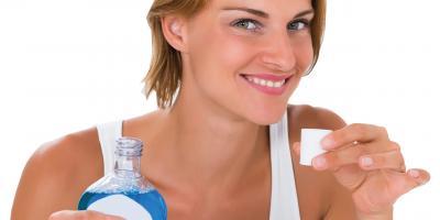 Fertiglösungen können vor Karies, Zahnbelag und Zahnfleisch-Entzündung schützen.