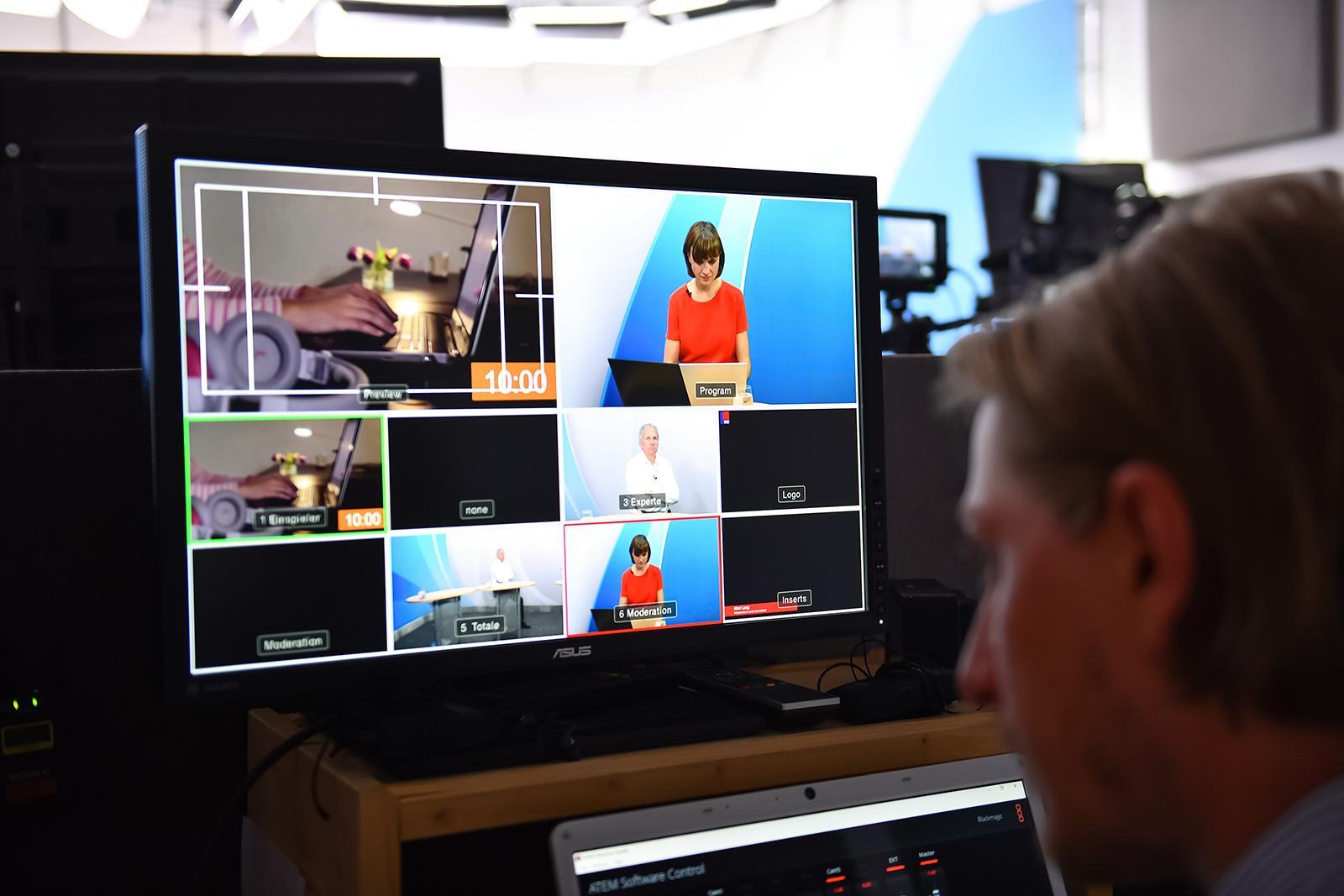 Ein Bildschirm mit den verschiedenen Kameraeinstellungen in der Regie.
