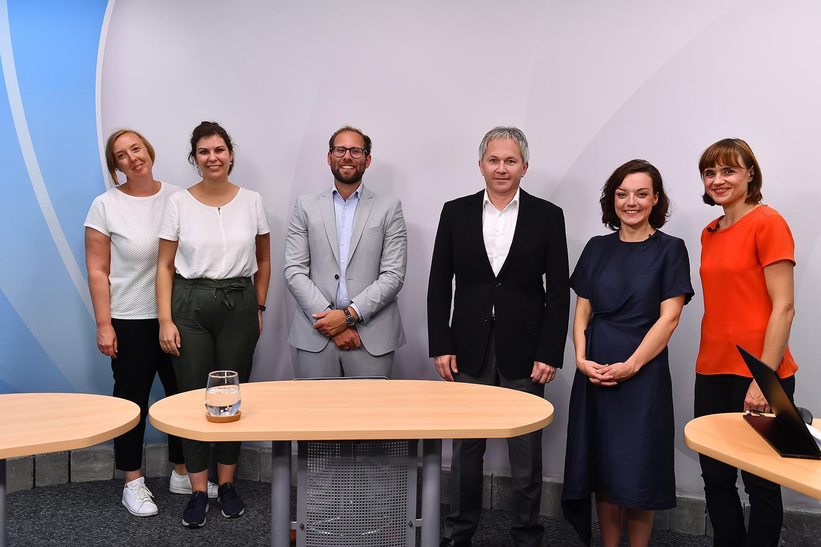 Ein Gruppenfoto der Panelteilnehmer.